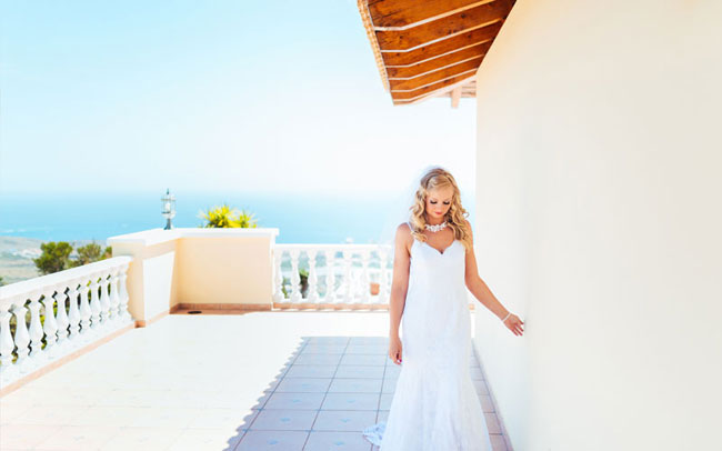 perfect wedding day photographs of the happy couple in tenerife